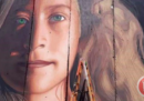 L'artista italiano Jorit Agoch è stato arrestato in Palestina mentre stava disegnando un murale su Ahmed Tamimi