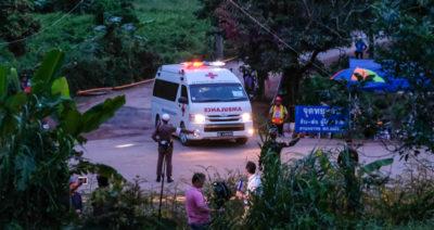 Otto ragazzi estratti dalla grotta in Thailandia