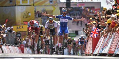 Fernando Gaviria ha vinto la prima tappa del Tour de France 2018, daNoirmoutier-en-l'Ile aFontenay-le-Comte