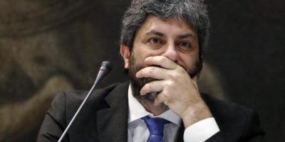 Roberto Fico vuole che Salvini faccia scendere i migranti dalla Diciotti