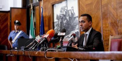 Luigi Di Maio ha chiesto le dimissioni del ministro dell'Interno perché indagato (due anni fa)