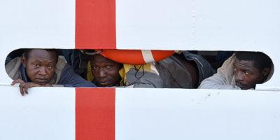 La Diciotti è ancora al largo di Lampedusa
