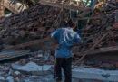 I morti per il terremoto in Indonesia potrebbero essere molti di più