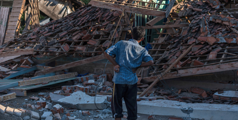 Terremoto Indonesia, sale a 347 morti il bilancio del sisma