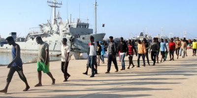 Dare motovedette alla Libia è costituzionale?