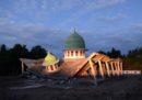 C'è stata un'altra scossa di terremoto di magnitudo 6.9 a Lombok, in Indonesia