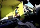Almeno 98 morti per il terremoto in Indonesia
