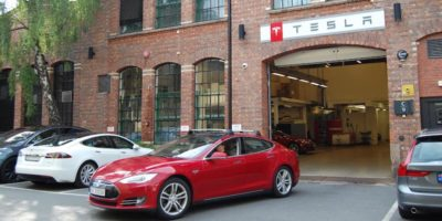 Tesla aumenterà i prezzi delle auto elettriche Model X e Model S