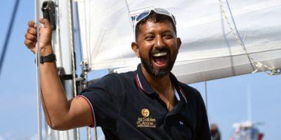 È stato salvato il velista indiano gravemente ferito che era alla deriva nell'oceano Indiano