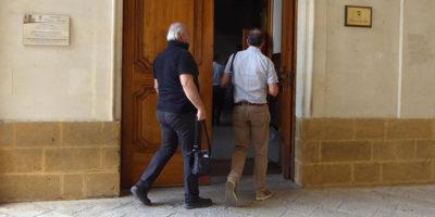 A Lecce 46 persone sono indagate (e alcune sono state arrestate) con l'accusa di aver ottenuto voti in cambio dell'assegnazione di case popolari