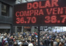 L'Argentina dimezzerà il numero di ministri