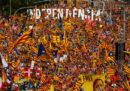 Centinaia di migliaia di persone a Barcellona hanno manifestato per chiedere l'indipendenza della Catalogna