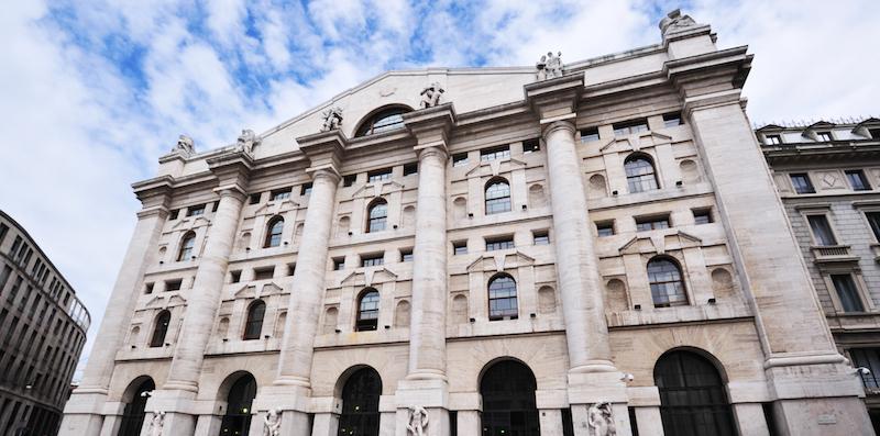 904101ad12 La Borsa di Milano è in forte calo e lo spread è cresciuto parecchio, dopo  l'aggiornamento del DEF approvato dal governo - Il Post