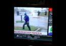 Un giornalista che non si è guardato intorno prima di collegarsi dai luoghi dell'uragano Florence