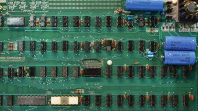 Un computer Apple-I funzionante è stato venduto all'asta per 375mila dollari