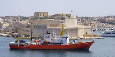58 migranti che erano a bordo dell'Aquarius sono sbarcati a Malta