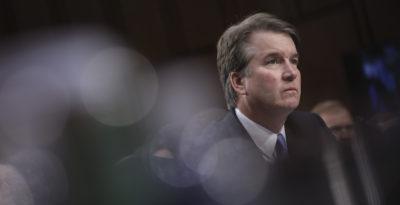 Una terza donna ha accusato il giudice statunitense Brett Kavanaugh di averla molestata