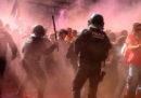 Le foto degli scontri tra gli indipendentisti e la polizia catalana, a Barcellona