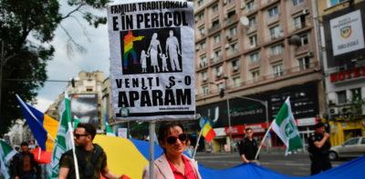 In Romania si farà il referendum contro i matrimoni gay