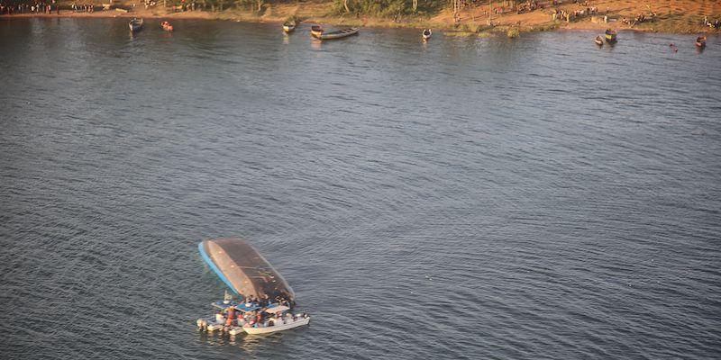 Tanzania: si rovescia traghetto,86 morti