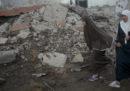 Nella notte dalla Striscia di Gaza sono stati lanciati 30 razzi contro Israele, che ha risposto con un intenso bombardamento su Gaza City