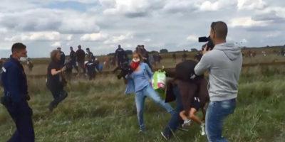 La Corte Suprema ungherese ha assolto la giornalista che fece uno sgambetto a un migrante in fuga dalla polizia