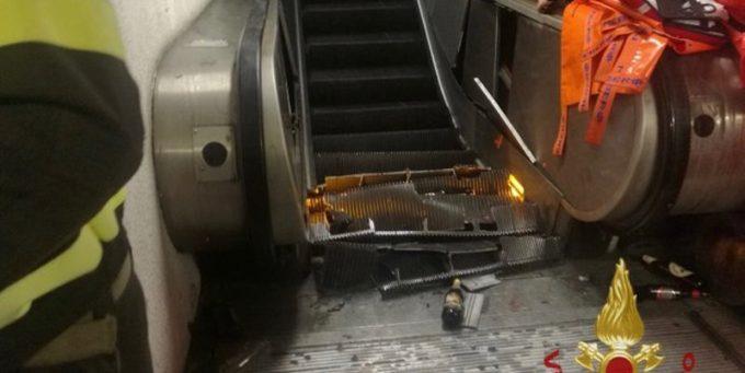 La scala mobile crollata nella metro di Roma