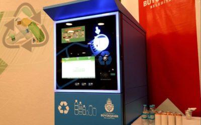 Ora a Istanbul si può comprare il biglietto della metro portando plastica da riciclare