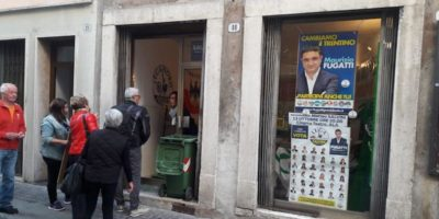 Nella notte è esplosa una bomba carta davanti alla sede della Lega ad Ala, in Trentino