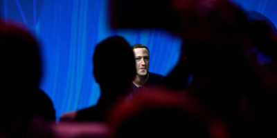Facebook continua a rallentare