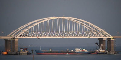 La Russia ha colpito e sequestrato tre navi dell'Ucraina