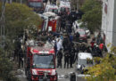 Un elicottero militare turco è caduto in una zona residenziale di Istanbul: quattro soldati sono morti