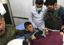 Circa 100 persone sono state ferite in un attacco con il gas tossico ad Aleppo, in Siria