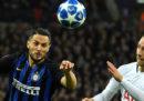 In Champions League il Napoli ha battuto 3-1 la Stella Rossa; l'Inter ha perso contro il Tottenham