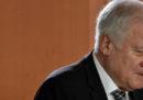Il ministro dell'Interno tedesco Horst Seehofer si è dimesso da presidente della CSU