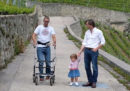 Tre pazienti con paralisi camminano di nuovo grazie a un impianto spinale