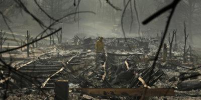 I morti per l'incendio in California aumentano
