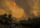I morti per gli incendi in California sono almeno 48