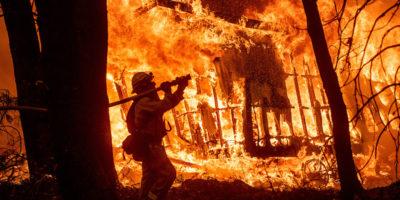 Le foto del grande incendio a Malibu