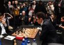 Il duro lavoro dei commentatori di partite di scacchi