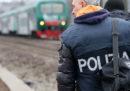 Un operaio che lavorava sui binari della linea Milano-Brescia è stato ucciso da un treno
