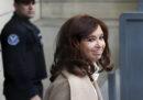 La ex presidente dell'Argentina Cristina Kirchner sarà processata per corruzione
