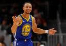 Il giocatore di basket Stephen Curry non crede che nessun uomo sia mai andato sulla Luna