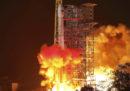 È partita la missione spaziale cinese per studiare la faccia nascosta della Luna
