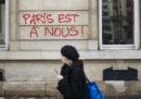 I graffiti delle proteste di Parigi, in foto
