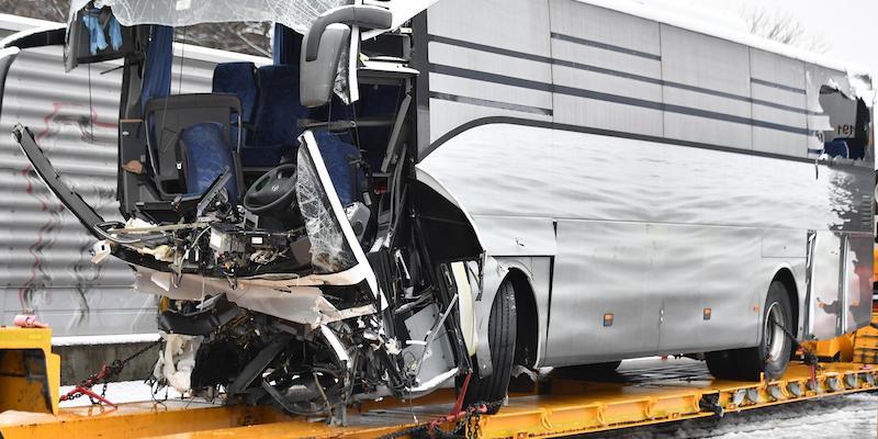 Un pullman partito da Genova ha avuto un incidente a Zurigo