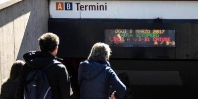 È stata riaperta la fermata Termini della linea B della metropolitana di Roma, dopo una breve chiusura