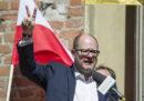 Un popolare politico polacco, sindaco della città di Danzica, è stato accoltellato durante un evento di beneficenza