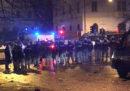A Roma otto agenti di polizia sono stati feriti negli scontri durante i festeggiamenti di un gruppo di tifosi della Lazio