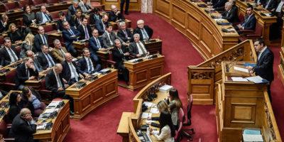 Il Parlamento della Grecia ha confermato la fiducia al governo di Alexis Tsipras